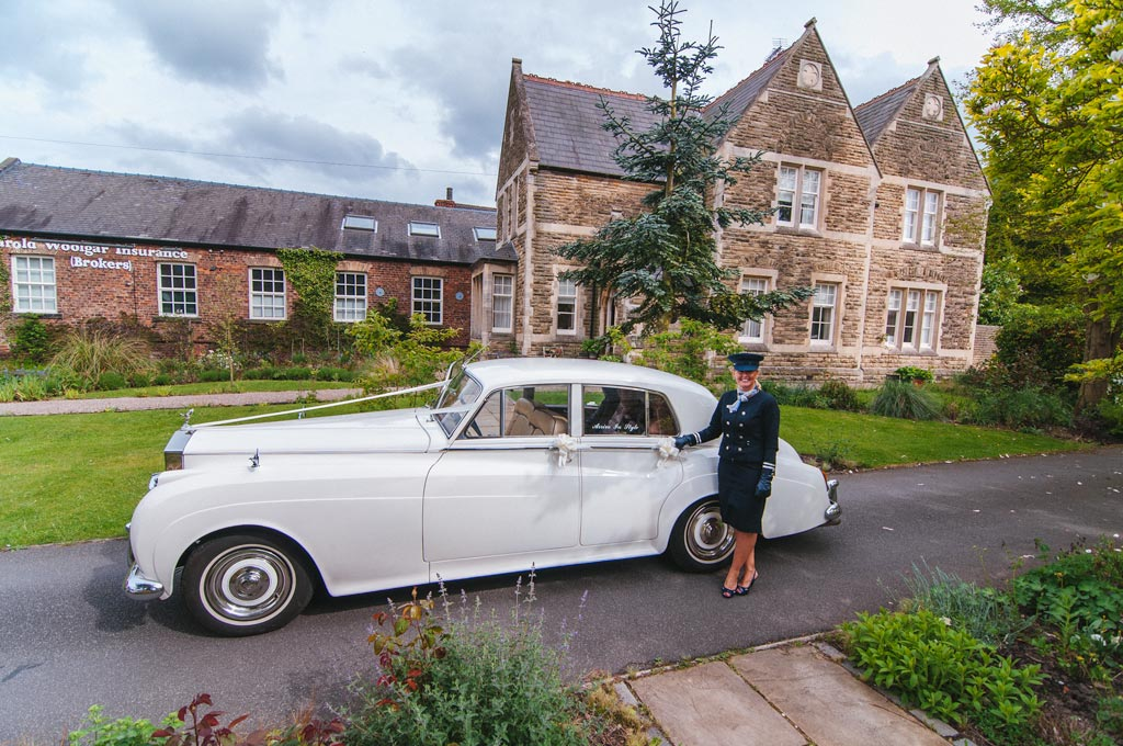 Arrive in style wedding car hire Lincolnshire