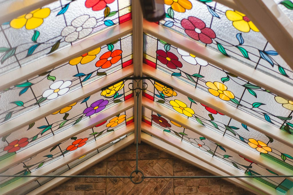 The red lion Epworth stained glass roof