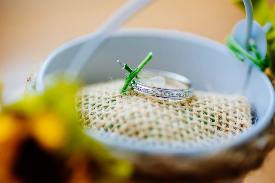 Wedding ring bucket